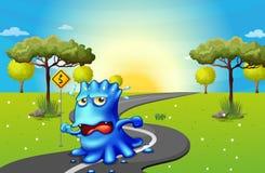 Een monster die bij de weg lopen Stock Afbeelding
