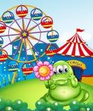 Een monster die een roze bloem voor Carnaval houden Royalty-vrije Stock Afbeelding