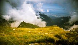 Een mooi berglandschap in Karpatische bergen Stock Fotografie