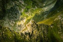 Een mooi berglandschap in Karpatische bergen Stock Afbeelding