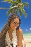 Een mooi Polynesisch meisje in Hawaï stock afbeelding