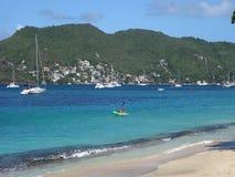 Een mooi wit zandstrand in de Caraïben stock video