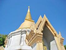 Een Mooie Boeddhistische Tempel en een Pagode Stock Foto