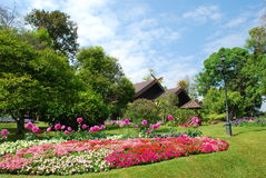 Een mooie en vreedzame tuin Royalty-vrije Stock Afbeeldingen