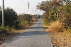 Een mooie mening van de weg in het land stock fotografie