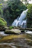 Een mooie waterval in noordelijk Thailand Royalty-vrije Stock Afbeeldingen