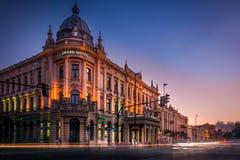 Een mooie zonsondergang, gebieden, bos en weg Groot Hotel Lublinianka - een hotel in Lublin stock afbeeldingen