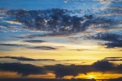 Een mooie zonsondergang, met een grote waaier van kleuren Royalty-vrije Stock Foto
