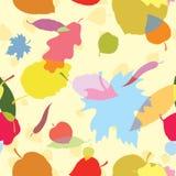 Een naadloos patroon met veelkleurige bladeren Stock Afbeeldingen