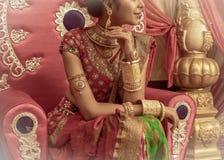 Een niet geïdentificeerd mooi jong Indisch Model royalty-vrije stock foto