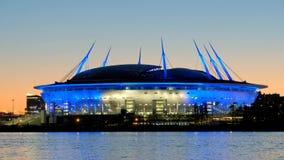 Een nieuw die stadion op het Krestovsky-eiland, als de Arena van Heilige Petersburg, aka wordt bekend de Zenitarena St Petersburg stock videobeelden
