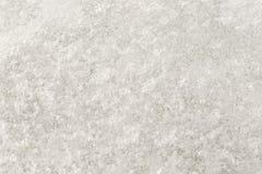 Een ongebruikelijke achtergrond van wit ijs met bellen Een abstract beeld van bevroren water, textuur Royalty-vrije Stock Fotografie