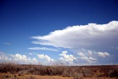 Een onweer is op zijn manier Stock Afbeelding