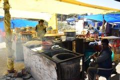 Een open restaurant bij kufrimarkt Stock Foto's