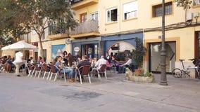 Een Openluchtkoffie in Spanje stock footage