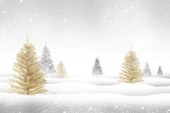 Een ornament die in een Kerstboom hangen Stock Afbeeldingen