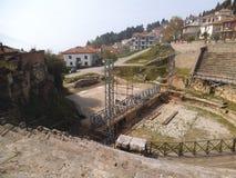 Een oud amfitheater in Ohrid stock foto's