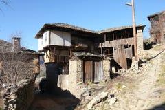 Een oud huis in Kovachevitsa-Dorp Stock Foto's