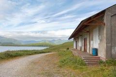 Een oud huis in Toendra Dr. weg, Unalaska, Alaska Royalty-vrije Stock Foto's