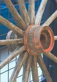 Een oud wagenwiel Stock Afbeelding