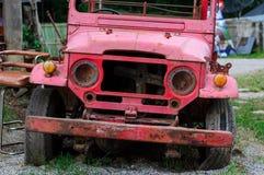 Een oude brandvrachtwagen Stock Afbeeldingen