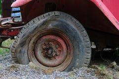 Een oude brandvrachtwagen Stock Fotografie