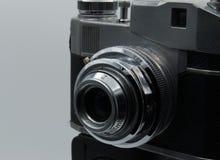 Een oude camera royalty-vrije stock afbeeldingen