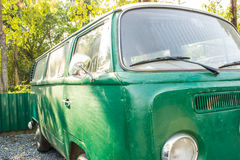 Een Oude groene Auto Royalty-vrije Stock Afbeelding