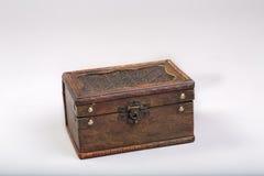 Een oude houten doos Stock Afbeeldingen