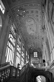 Een oude interieur van een Italiaans gebouw Stock Fotografie