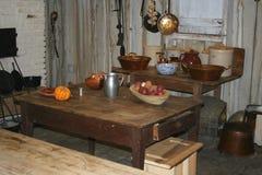 Een oude keuken in een aanplantingshuis Stock Foto's