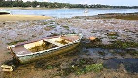 Een oude kleine boot royalty-vrije stock foto
