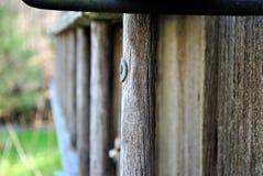 Een oude ladder stock afbeeldingen