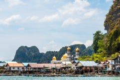 Een overzees zigeunerdorp bij Phang-ngabaai, Thailand Royalty-vrije Stock Afbeelding