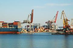 In een overzeese haven Stock Afbeelding