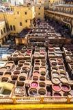 Een Overzicht van de het looien vaten bij de Chouara-Looierij in Fez, Marokko Royalty-vrije Stock Afbeelding