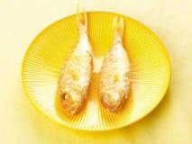 Een paar Aziatische gebraden vissen Stock Afbeeldingen