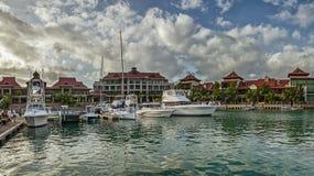 Een paar luxejachten bij de ligplaats van Eden-eiland Royalty-vrije Stock Fotografie