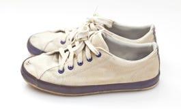 Een paar oude sportschoenen Stock Fotografie