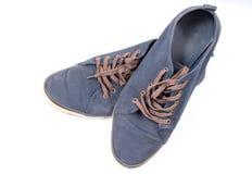 Een paar van het lopen van blauwe tennisschoenen Royalty-vrije Stock Afbeelding