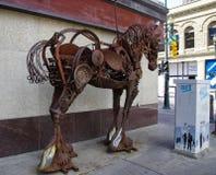 Een paardbeeldhouwwerk van staal, Calgary, Canada wordt gemaakt dat Royalty-vrije Stock Foto