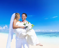 Een paarhuwelijk op het strand Royalty-vrije Stock Foto