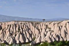 Een panaramic mening van Cappadocia dichtbij Goreme stock afbeeldingen