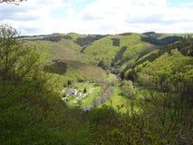 Een panorama van bergen in Luxemburg Stock Fotografie
