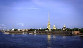 Een panorama van de Peter en van Paul vesting, St. Petersburg Royalty-vrije Stock Afbeeldingen