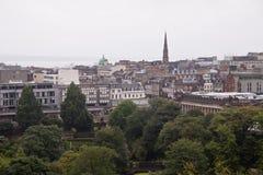 Een panorama van Edinburgh van de kasteelheuvel Royalty-vrije Stock Foto's