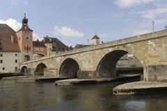 Een panoramamening van de Duitse stad Regensburg Stock Foto