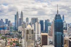 Een panoramisch satellietbeeld van de Kuala Lumpur-stad tijdens daglicht stock fotografie