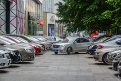 Een parkeerterrein in Nanning, China stock fotografie