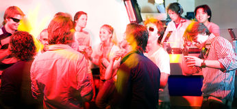 Een partij in een nachtclub royalty-vrije stock fotografie